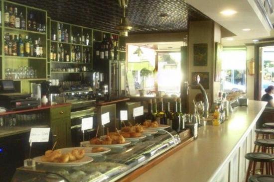 Cafe Bar El Emir