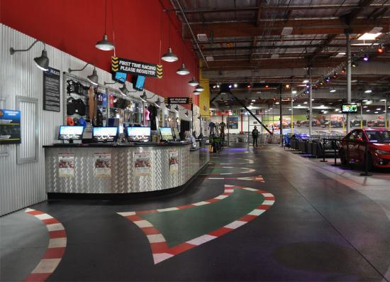 K1 Speed Irvine: Lobby