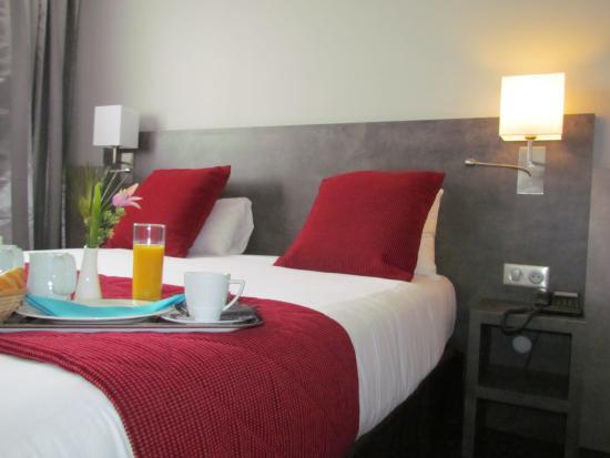Hotel Restaurant L'Hotan : Chambre supérieure