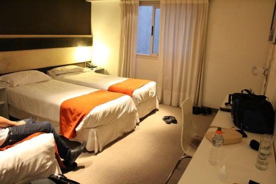 Quarto aconchegante - Monarca Hoteles