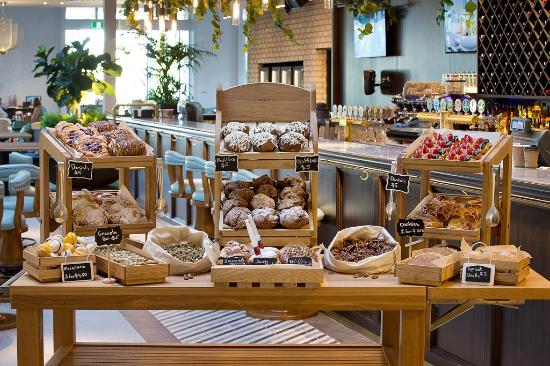 Garden Kitchen & Bar: Bakery selection