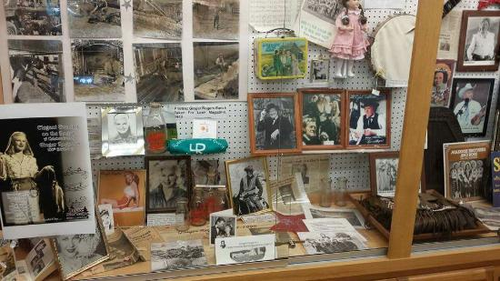 Eagle Point, OR: History Abounds with many displays!