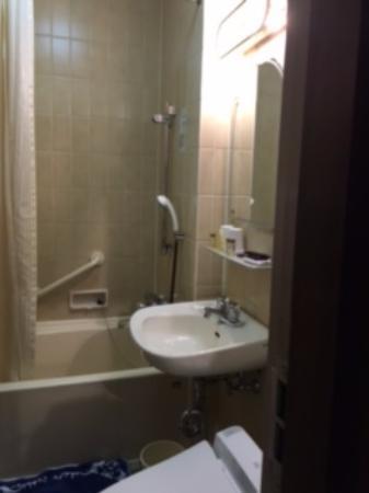 奈良ホテル, 狭いバスルームです