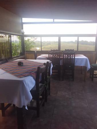 La terraza área de comedor para el desayuno.: fotografía de ...