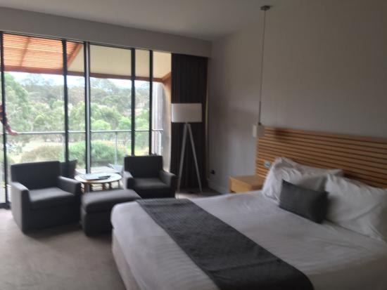 Dunkeld, Αυστραλία: Our spacious room with private balcony view of the mountain
