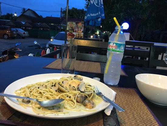 Food Lab: My spaghetti clam was exquisitely good!