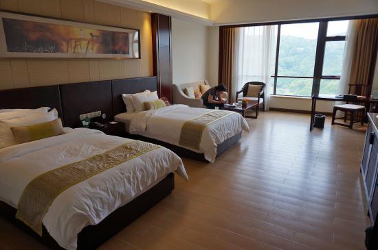 Fengshun Luhu Hot Spring Holiday Hotel