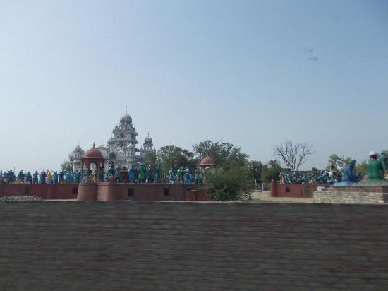 Moga, الهند: Gurudwara Shri Mehdiana Sahib