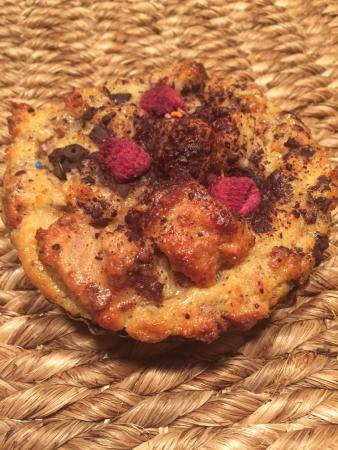 Button Rock Bakery: Raspberry and Dark Chocolate Breading Pudding - so yummy!