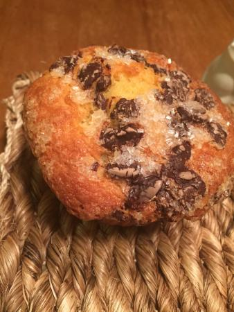 Button Rock Bakery: Sugar and Chocolate Muffin