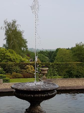 Chaffeymoor Grange : One of the 3 fountain water features