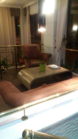 Hotel Minoa: 20160531_225117_large.jpg