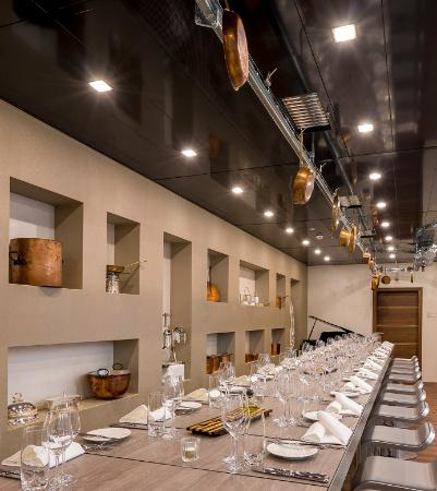SCALA RESTAURANT - Art Deco Hotel Montana: Kitchen Club