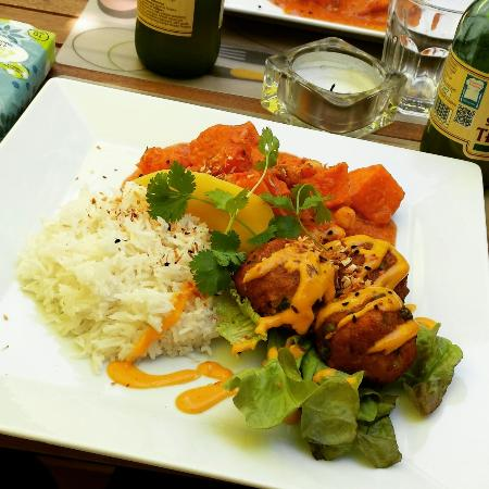 Kwadrat Vegan Bistro & Cafe : Really tasty and well.prepared food! We will certainly come back here!