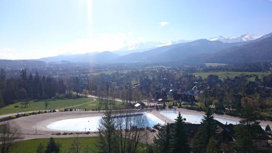 Widok Z Pokoju Na Basen I Góry Picture Of Mercure Kasprowy
