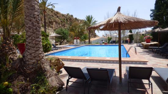 Sunsea Village: espace piscine
