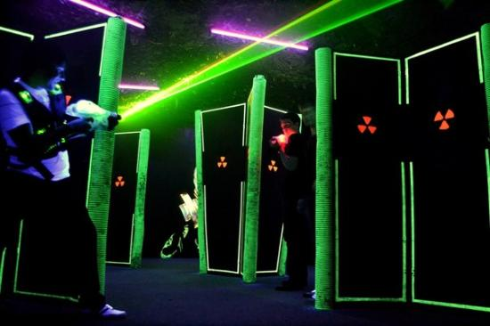 Laser-Club Strike