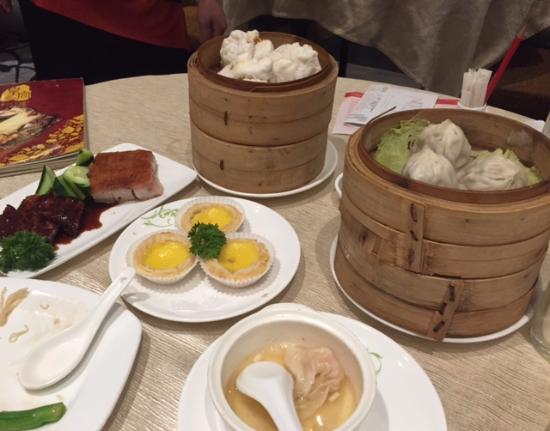 Grand Palace: Roast items and a large dim sum menu