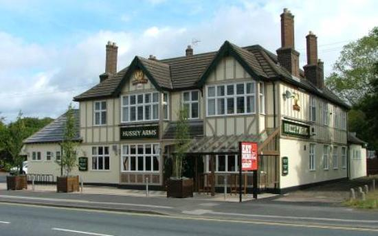 Hussey Arms, Hungry Horse: The pub from the front
