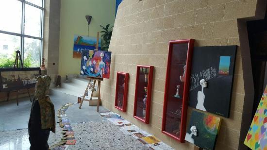 La Casa Degli Artisti: Ingresso