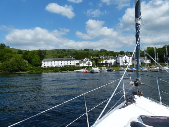 Bowness-on-Windermere, UK: Back to port.