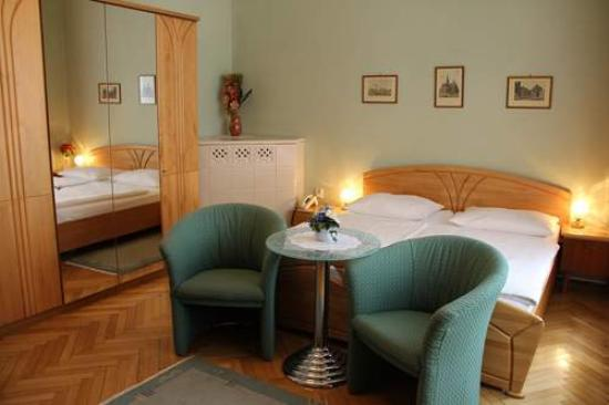 Hotel-Pension Lehrerhaus: Doppelzimmer
