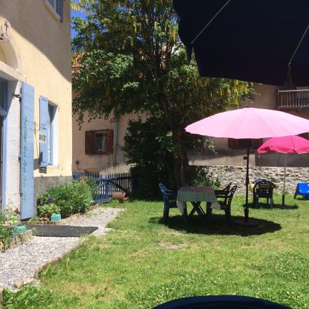 Le chamois bleu saint paul sur ubaye frankrijk foto 39 s for Restaurant le jardin st paul