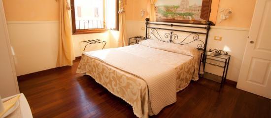 Le Suite di Via Ottaviano: Stanza Standard