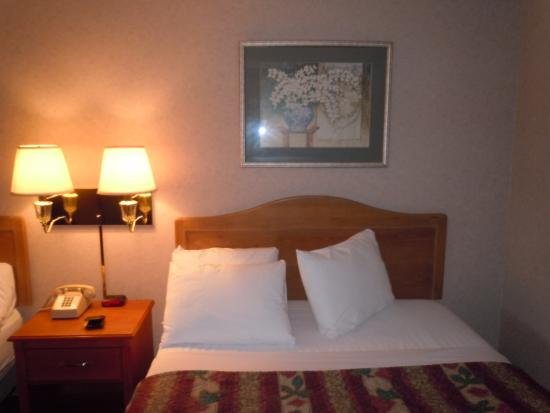 Twin Mountain Inn & Suites: Comfortable bed