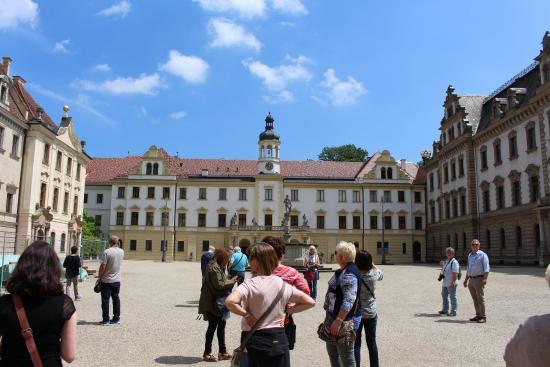 Schloss Thurn und Taxis: Innenhof, man darf im Inneren des Schlosses leider nicht fotografieren