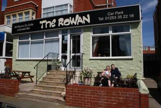 Rowan hotel blackpool inn reviews photos price comparison tripadvisor for Hilton blackpool swimming pool