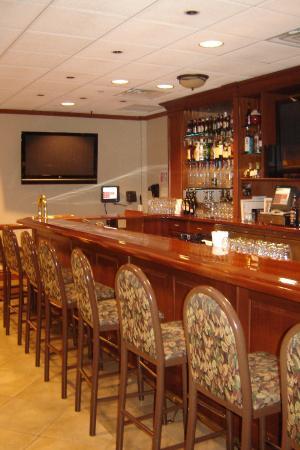 Ike's Pub & Grill