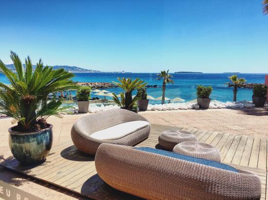 espace lounge terrasse vue de la réception. - Picture of Pullman ...