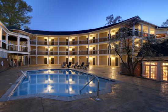 แอนนิสตัน, อลาบาม่า: Outdoor Pool