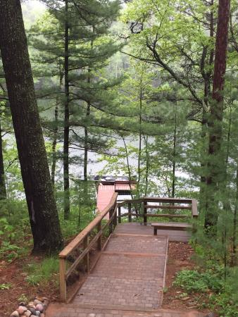 Hazelhurst, WI: Red pine cabin and Lower Kaubashine Lake