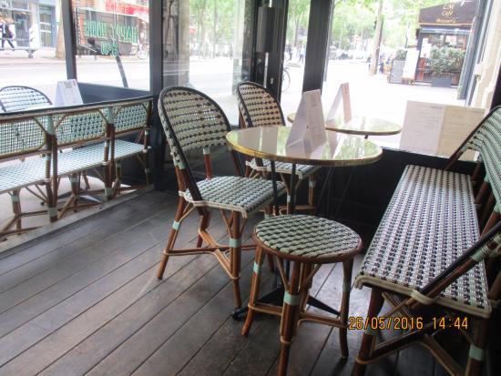terrasse couverte et terrasse extérieure aussi - Picture of ...