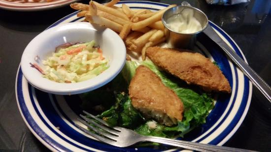 Winchester, OR: Fish and chips with coleslaw