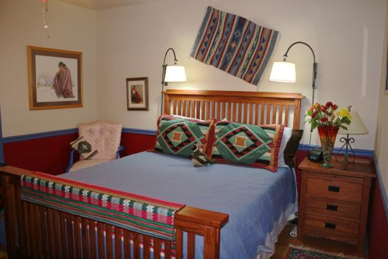 Chocolate Turtle Bed and Breakfast: Quail Room