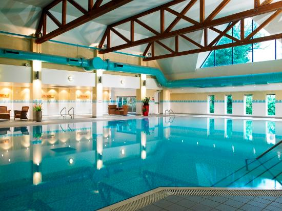 Worsley Park Marriott Hotel & Country Club: Swimming Pool