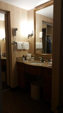 Homewood Suites Lansdale: Bathroom in Bedroom Suite
