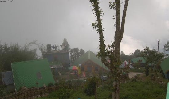 Jhandi Dara Sunrise Point : bird's eye view of Jhandi Eco huts