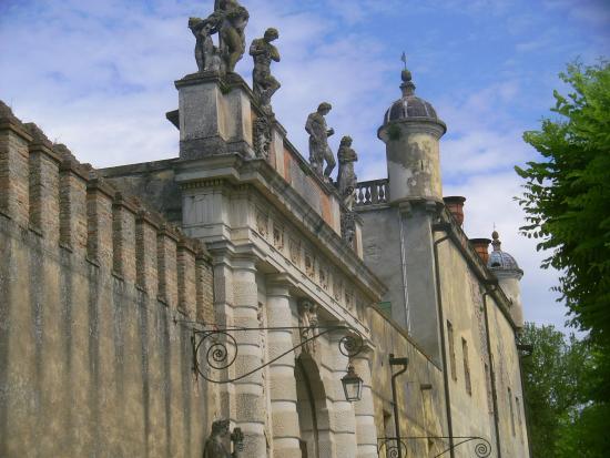 Battaglia Terme, Italia: The main entrance to the castello