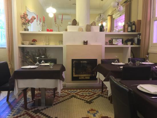 Restaurante Les Maries: Muy tranquilo y acogedor