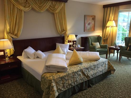 """Grand Hotel Lienz: Hotelansicht und """"normales"""" Zimmer"""