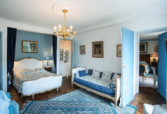 Chateau De La Rue B U0026b  Cour