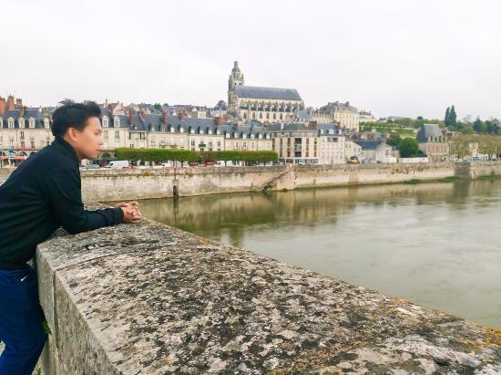 La Loire : Osias Lim in Blois, Loire Valley, France
