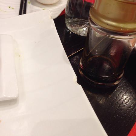 Dammarie-les-Lys, France: Servie avec assiette ébréchée, la classe, non ?