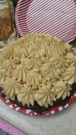 Rosestrudel: Peanut butter choc pie .