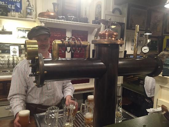 Brauhaus Plaue - Kneipe Pur - Wirtshaus Brauerei: Ausschank