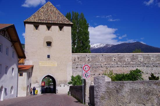 Glorenza, Itália: Музей находится в этой башне